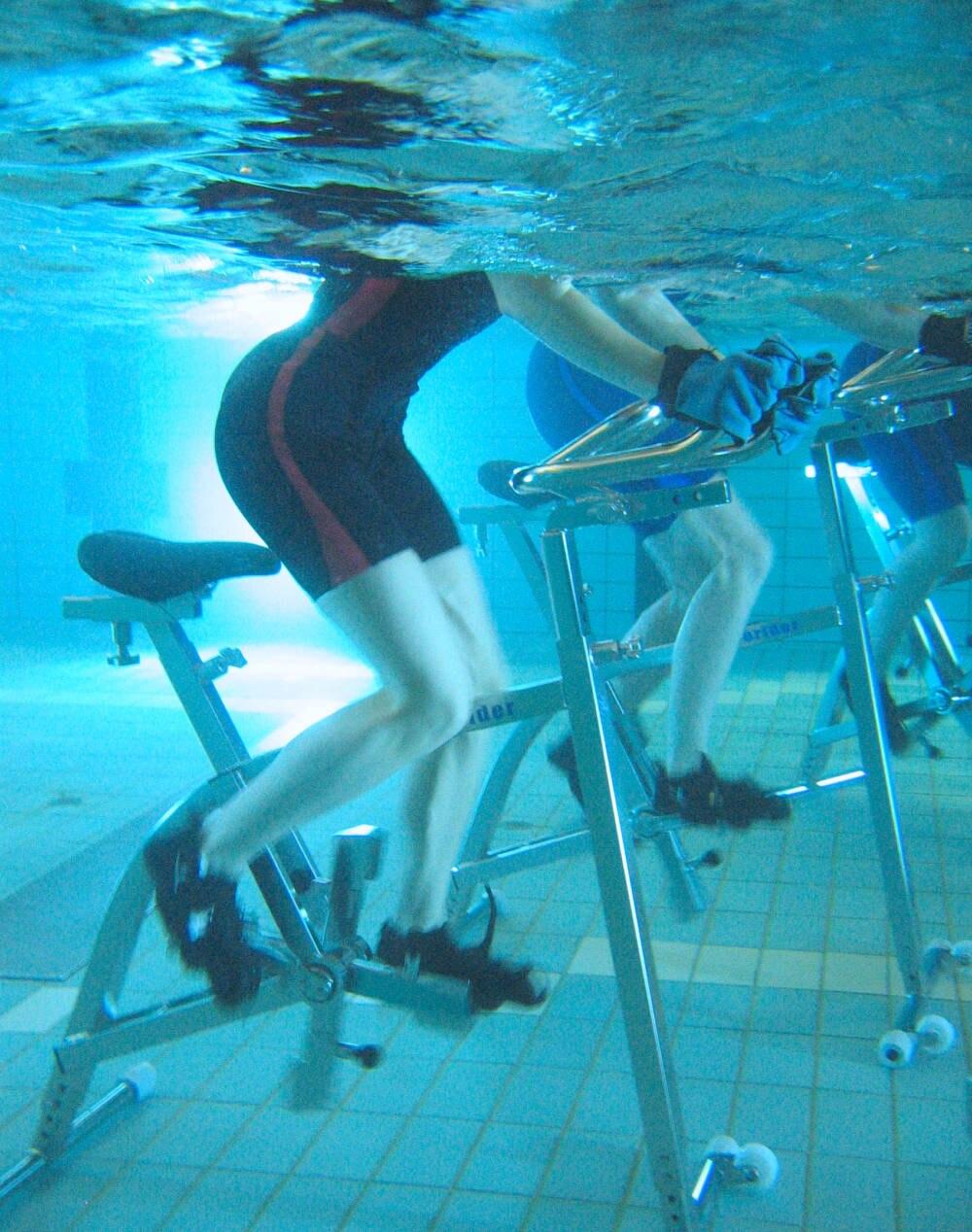 Aqua-Cycling hat einen großen Vorteil: Es hinterlässt keinen lästigen Muskelkater am nächsten Tag