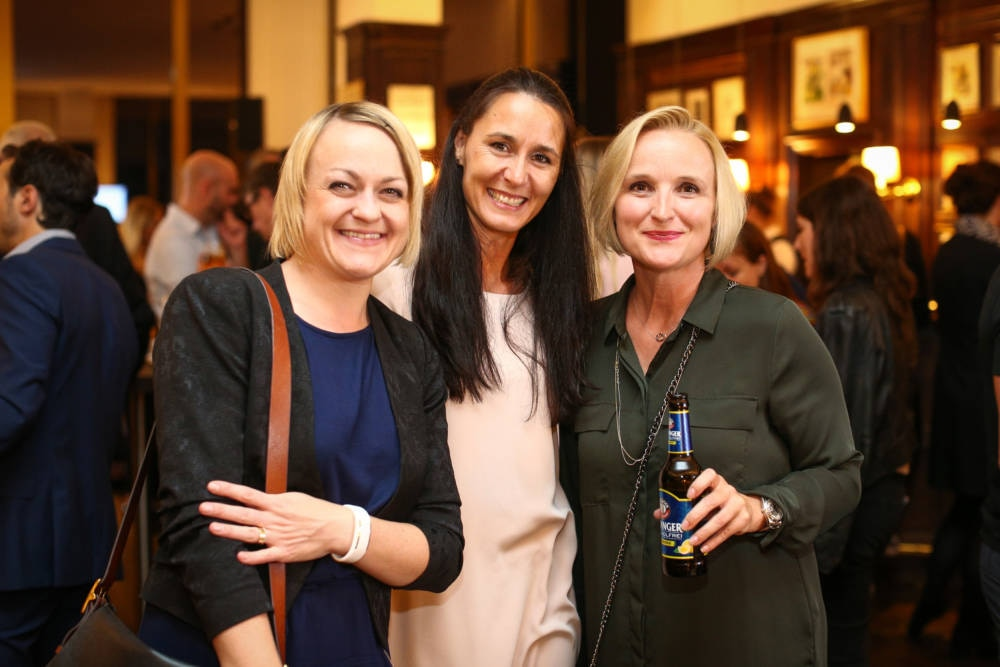 Petra Winkler und Sonja Wachter (Marketing Erdinger) und Nicole Eismann (Kiecom)
