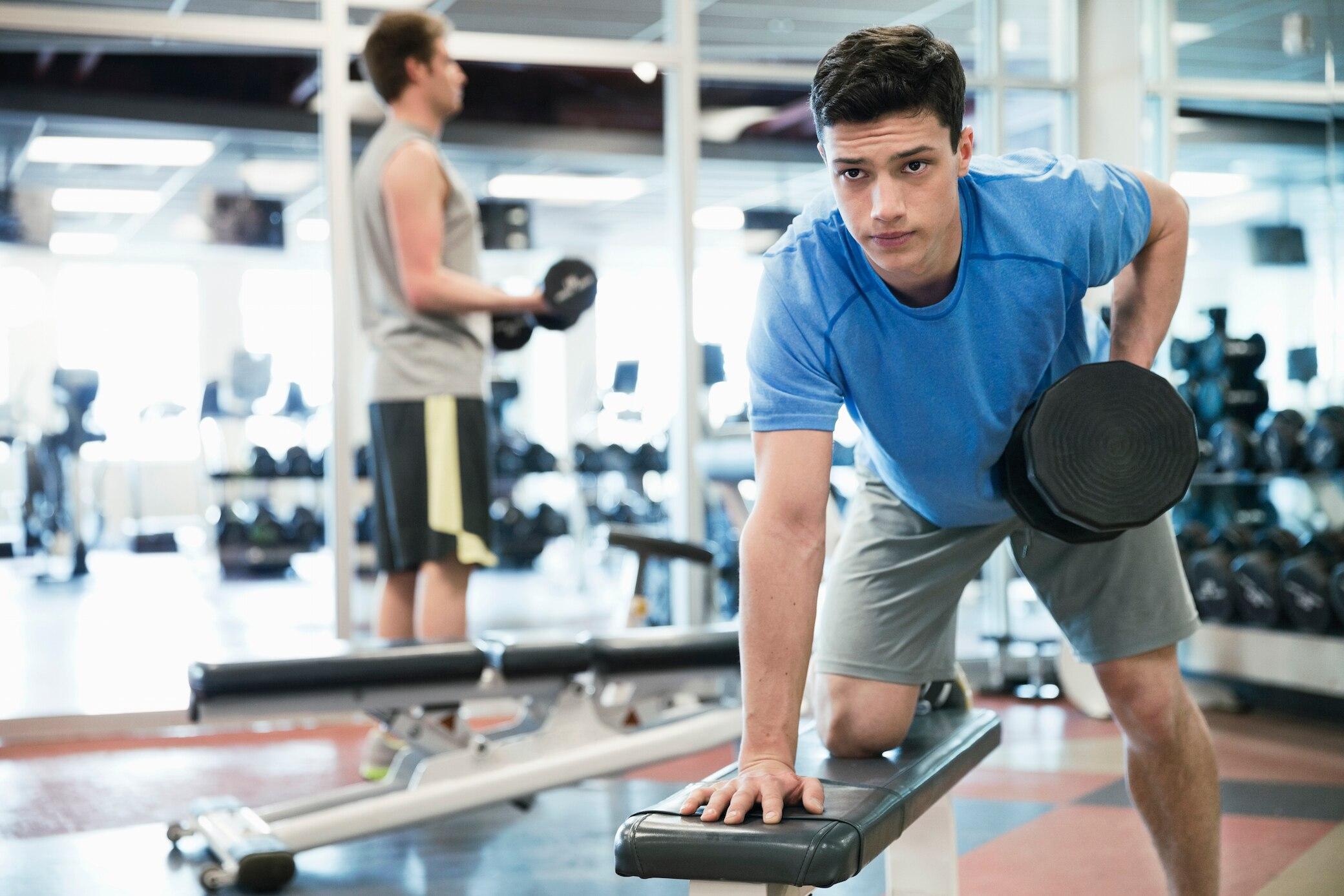 Wie man in einem Monat ohne Training Gewicht verliert