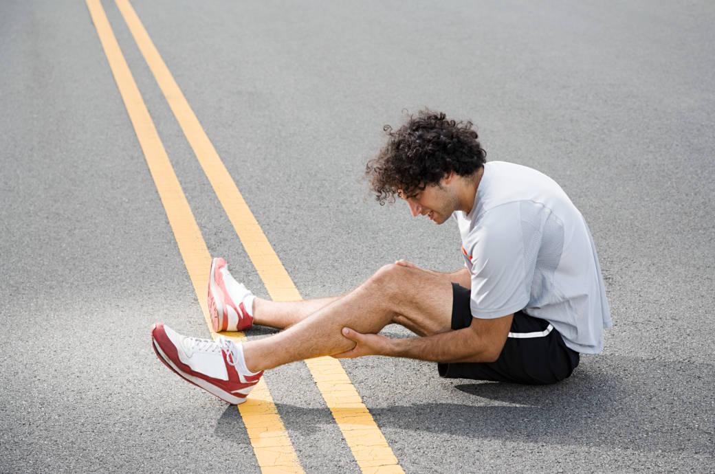 Nicht immer lässt sich für schmerzhafte Muskelkrämpfe eine Ursache finden – doch es gibt Tricks, um sie zu verhindern