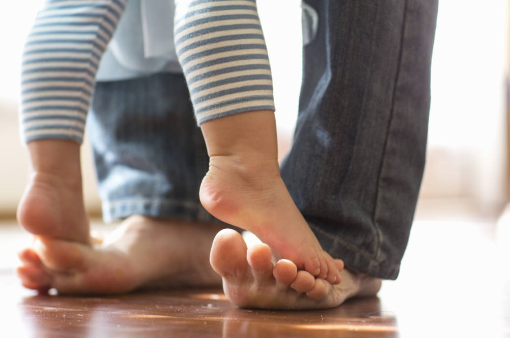 Die Grundlage für Fußprobleme wird oft in der Kindheit gelegt – aber auch später schenken wir ihnen viel zu wenig Aufmerksamkeit!