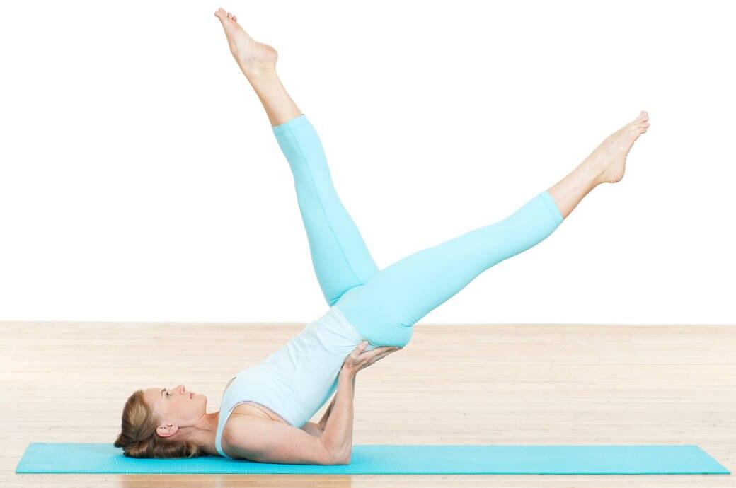 Bei Rückenschmerzen können Pilates und Yoga helfen