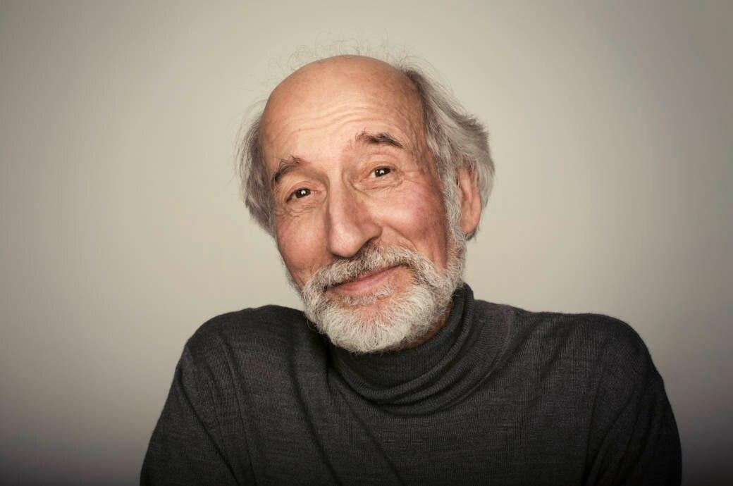 Alter Mann lächelt