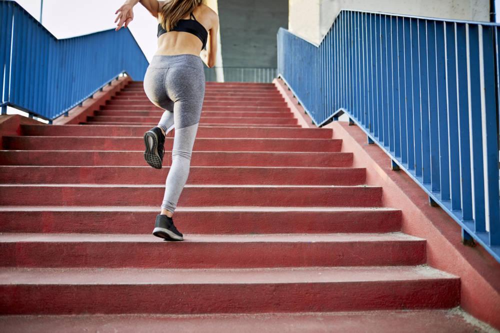 Frau beim Sprint