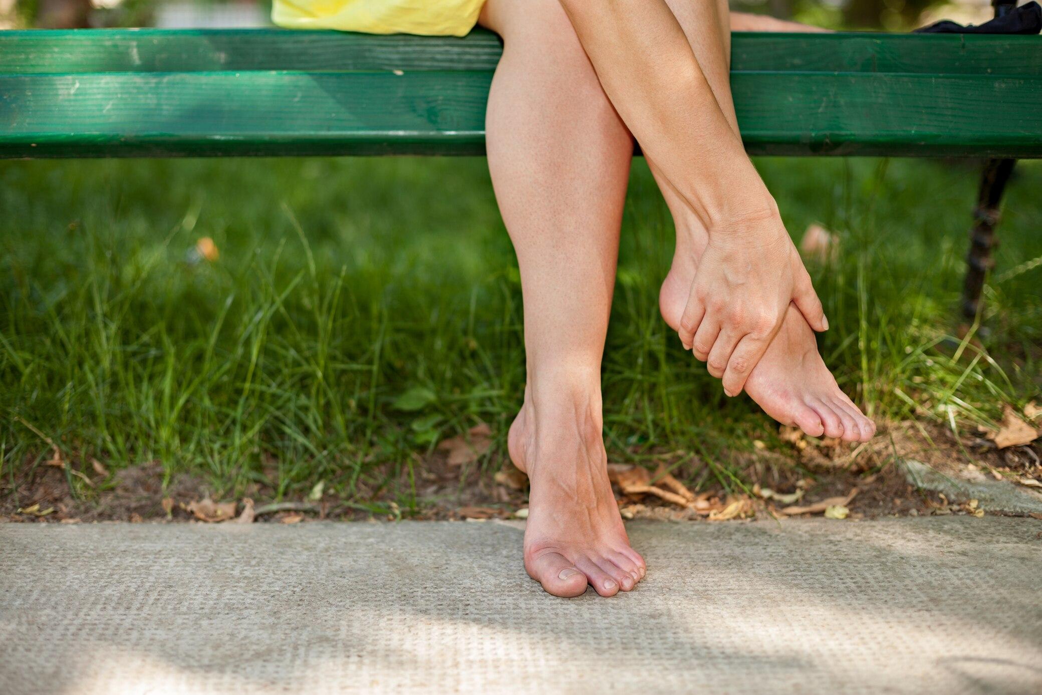Geschwollene Beine und Füße: Ursachen und Abhilfe