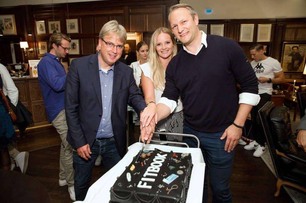 Frank Oelschläger und das Produkt-Team von FITBOOK auf der Geburtstagsparty