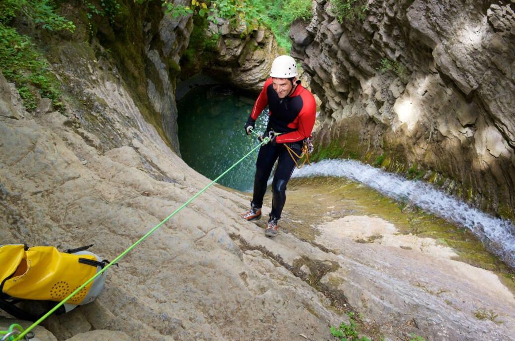 Klettergurt Canyoning : Canyoning: was sie über flusswandern wissen sollten fitbook
