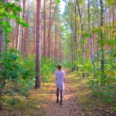 FITBOOK-Autorin beim Waldbaden