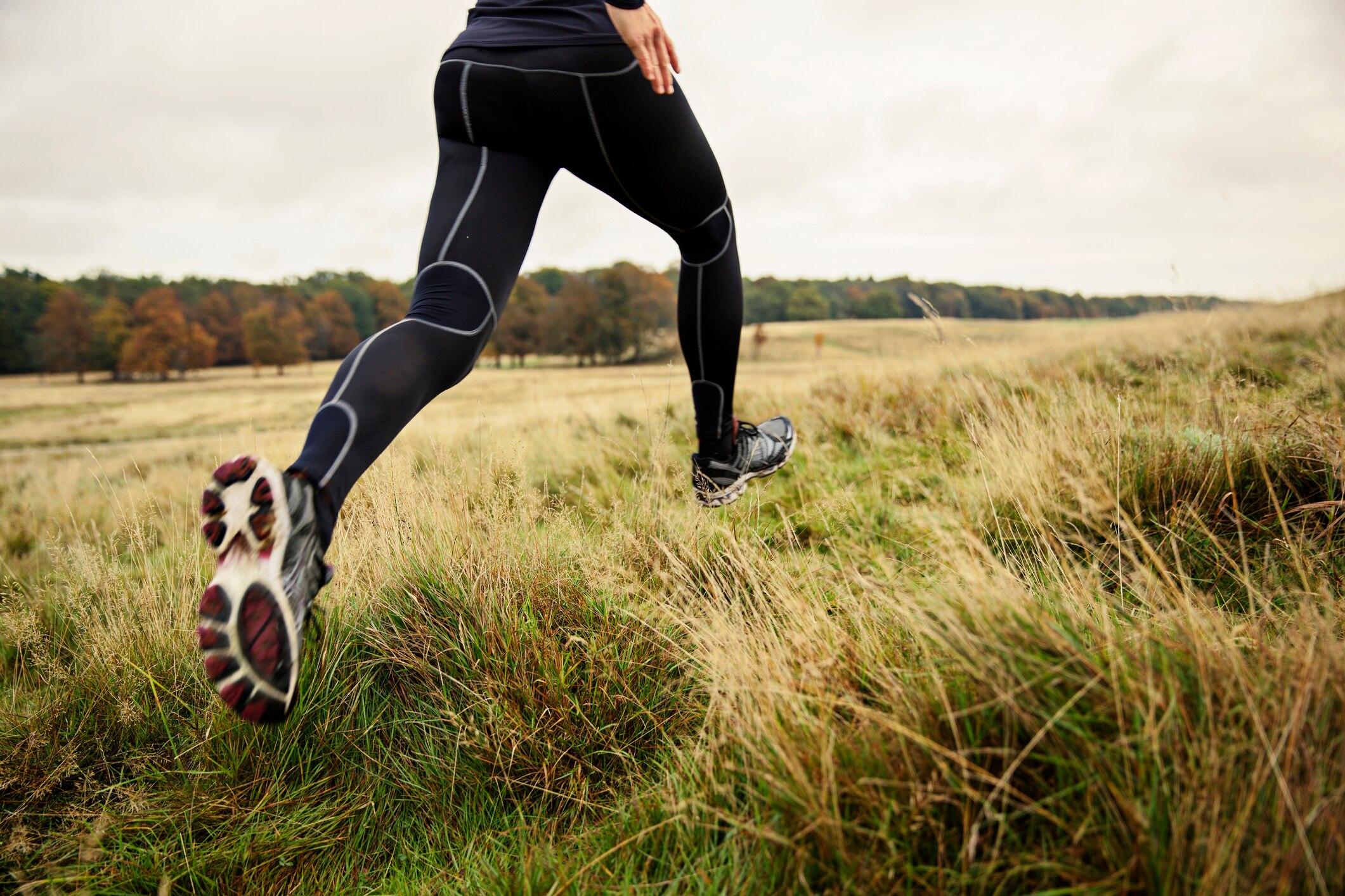 Wer stärker hüpft, läuft schneller!