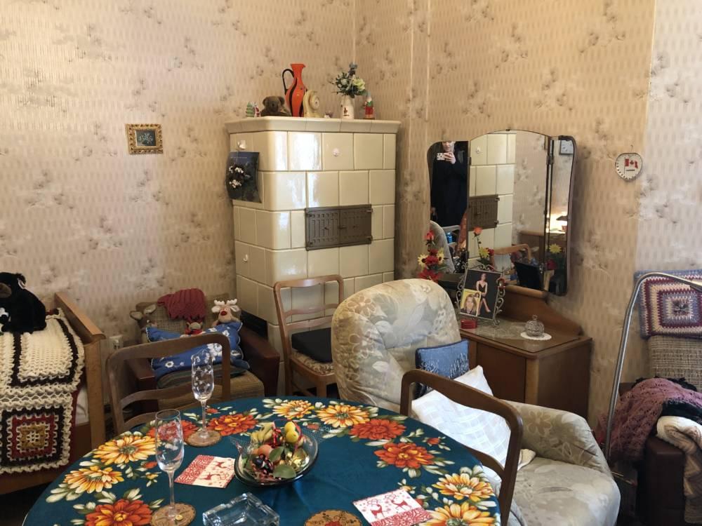 Ellas Wohnung (Das Geheimnis der 100-Jährigen)