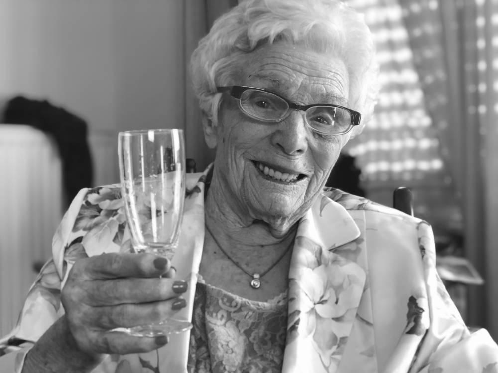 Theresia – Das Geheimnis der 100-Jährigen