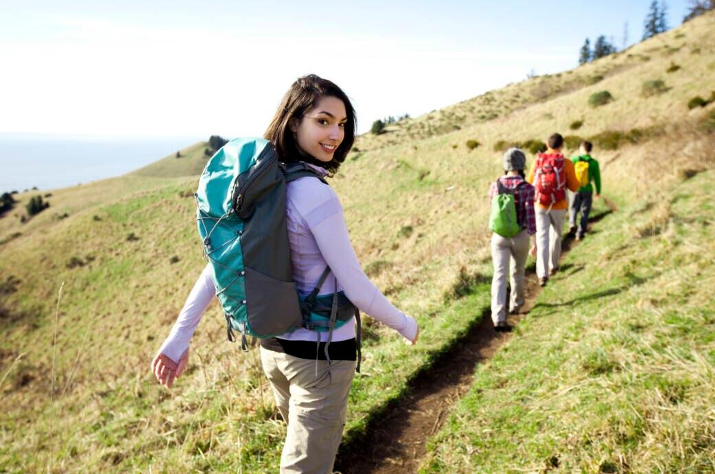 Eine Gruppe beim Wandern