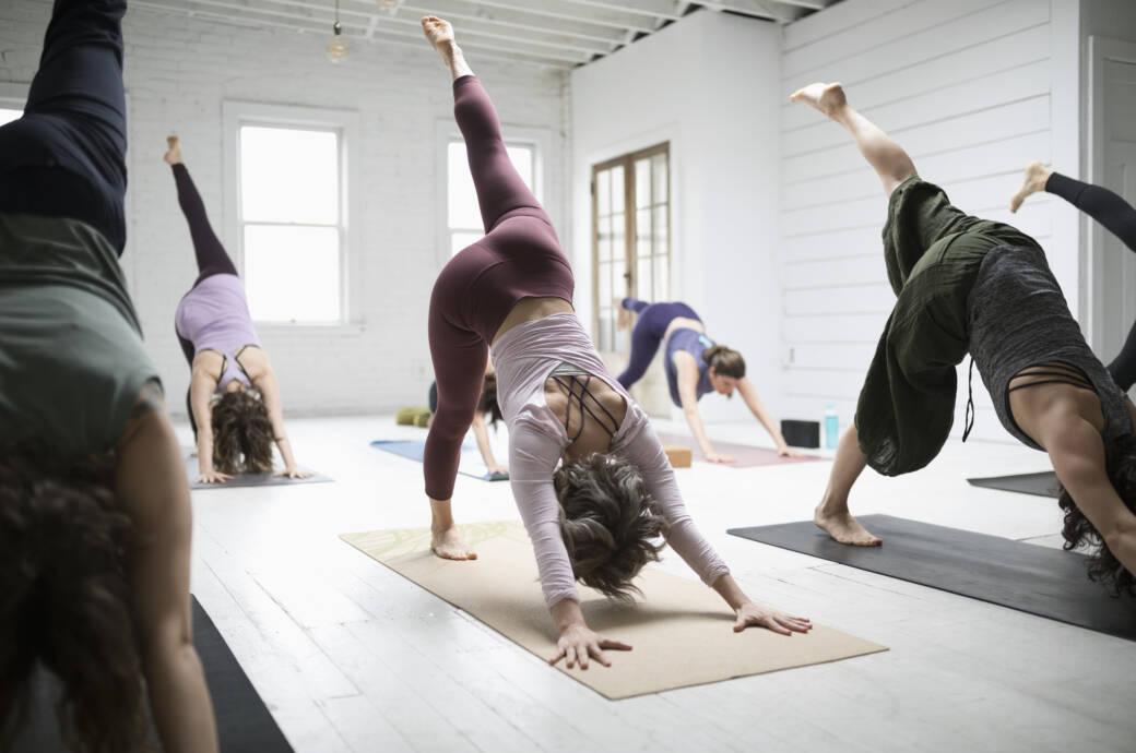 Wer beim Yoga keine Halteübungen machen sollte!