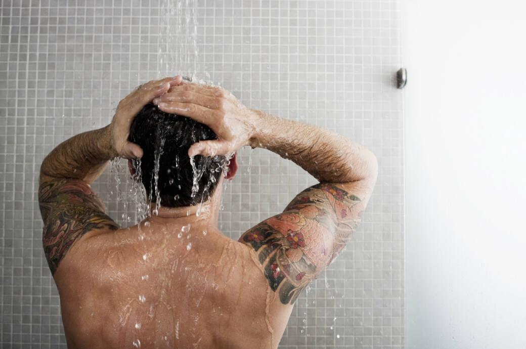 Tipps, damit Duschen die Haut nicht austrocknet