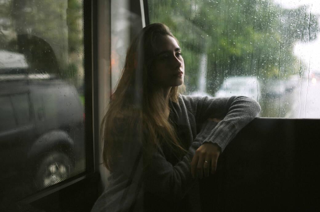 Frau mit depressiver Stimmung