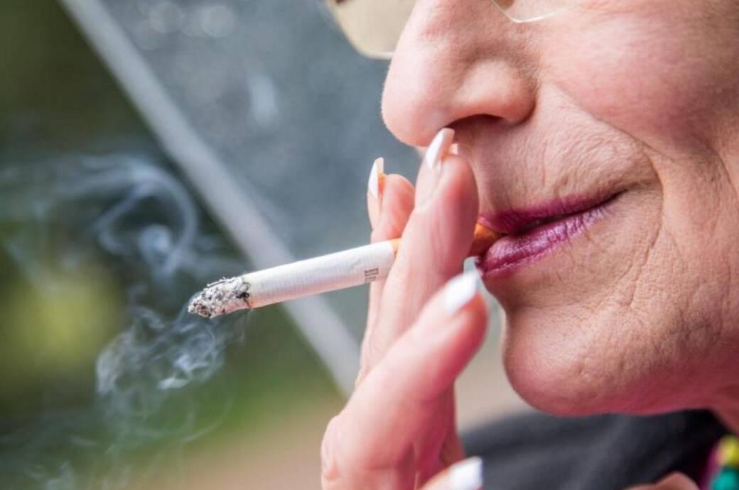 Auch im Alter mit dem Rauchen aufzuhören, lohnt sich