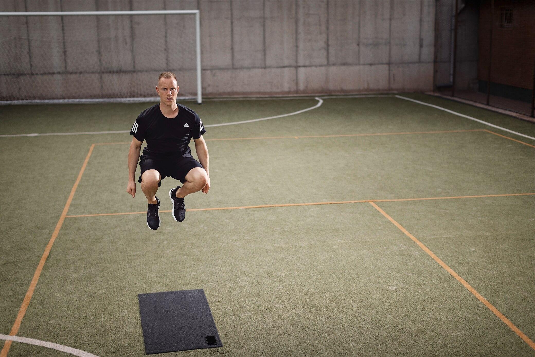 Marc-André ter Stegen Jumps