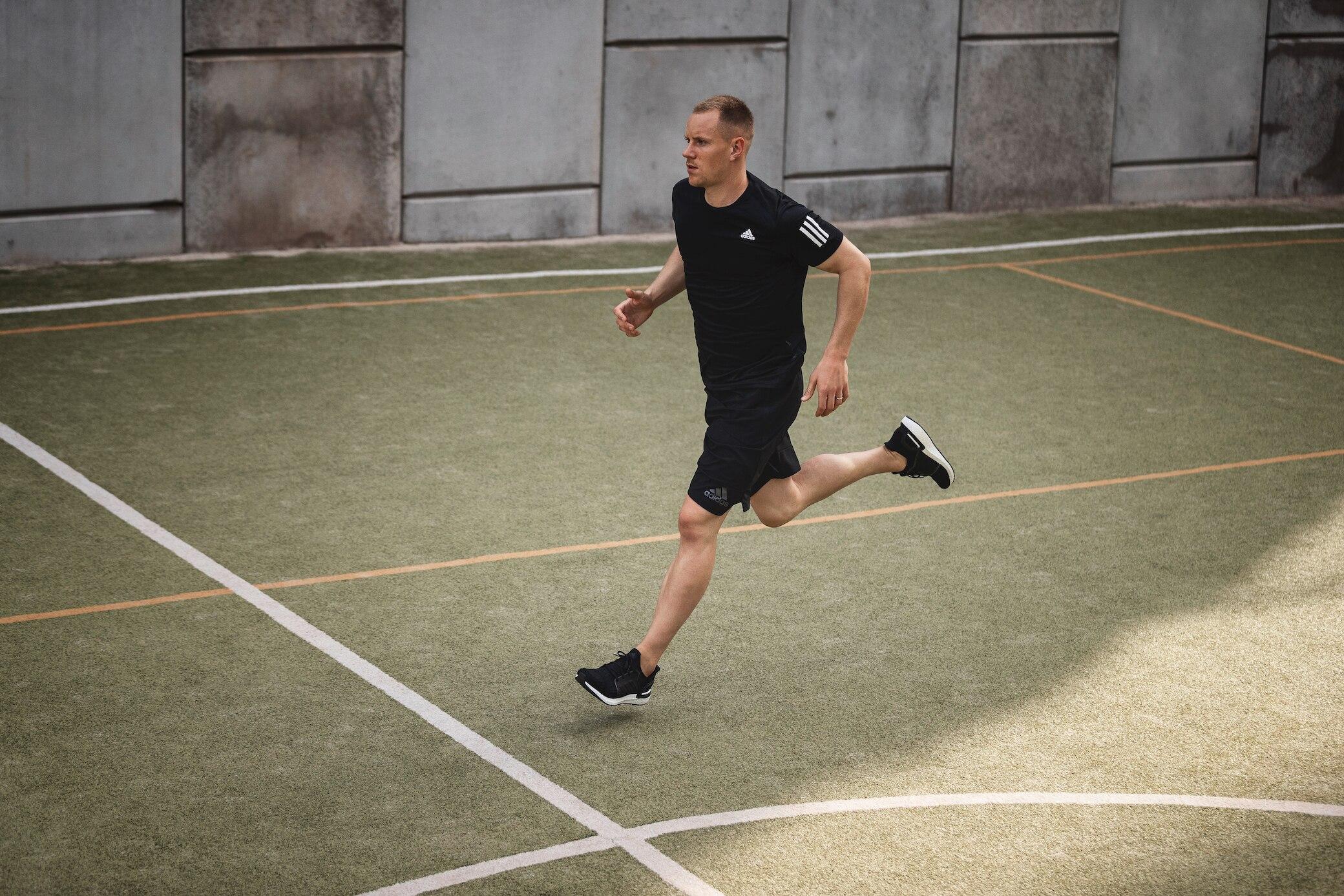 Marc-André ter Stegen sprintet