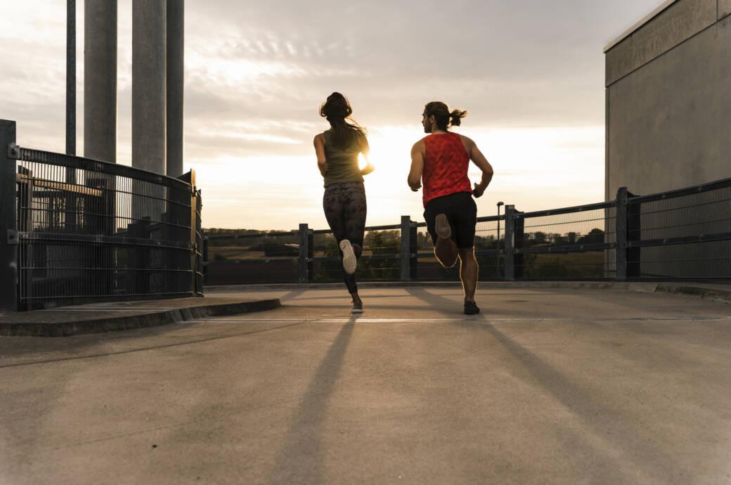 Gemeinsamkeit oder Wettbewerb?Gemeinsam Sport zu machen kann sehr gut für die Beziehung sein – wenn die Rahmenbedingungen stimmen.