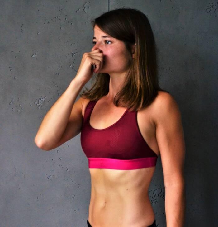 Atemübungen zum Abnehmen: blockierte Einatmung