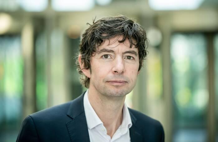 Prof. Christian Drosten über Corona-Aerosole und Abstand halten