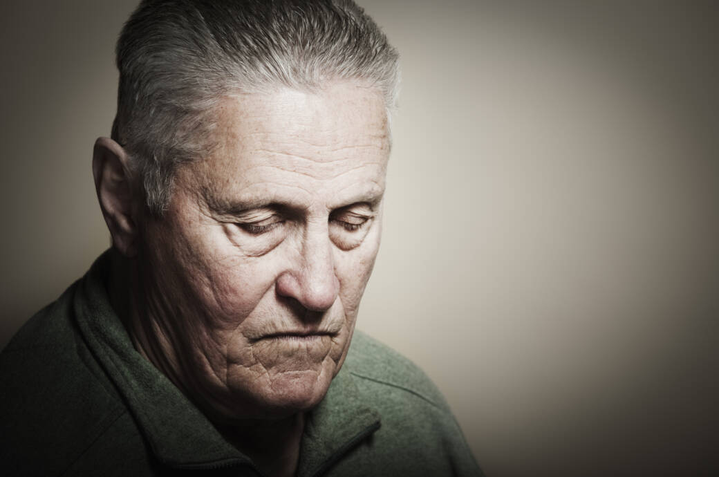 Alzheimer-Patient mit negativen Gedanken