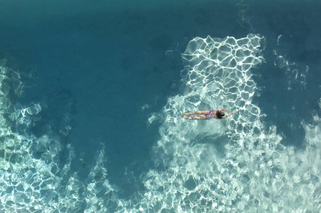 Beim Brustschwimmen sollte der Kopf nicht die ganze Zeit über Wasser gehalten werden