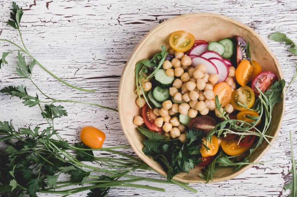 In der veganen Ernährung kommt manches (z. B. Jod) zu kurz