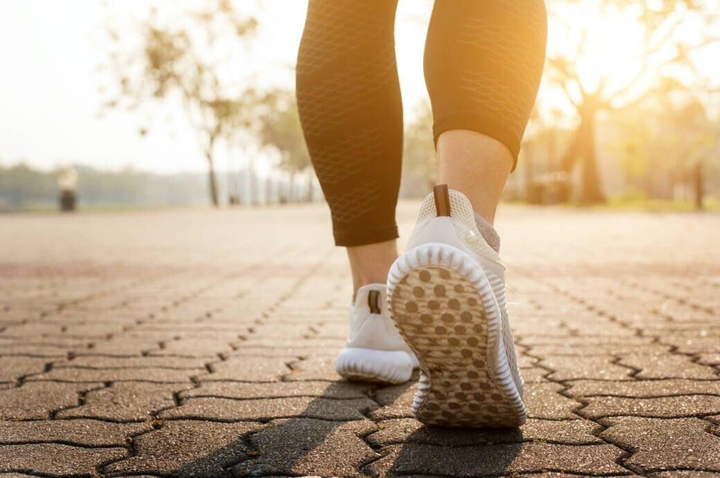 Ersetzen 10.000 Schritte pro Tag den Sport?