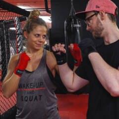 Fitbook-Reporter steigt mit MMA-Weltmeisterin in den Käfig