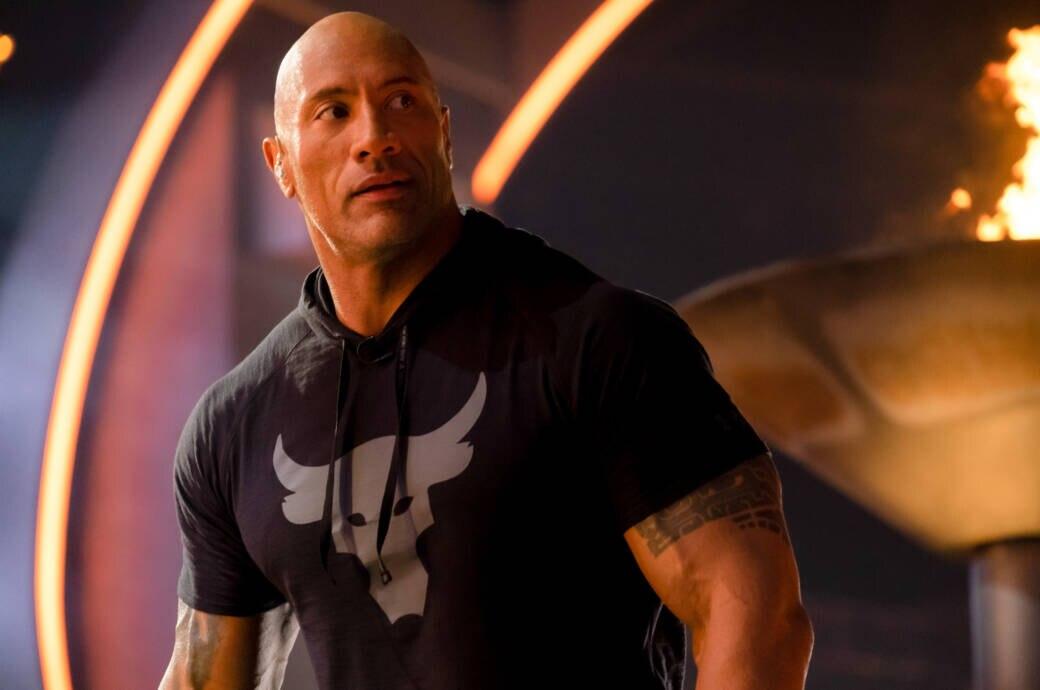 """Dwayne """"The Rock"""" Johnson verletzt sich beim Kettentraining im Gesicht"""