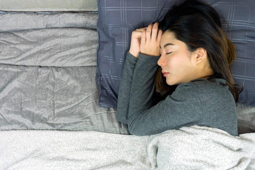 Schlafphasen – welche gibt es, wie lange sollten sie dauern?